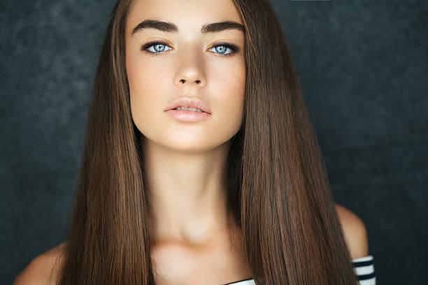 Comment garder les cheveux lisses et brillants